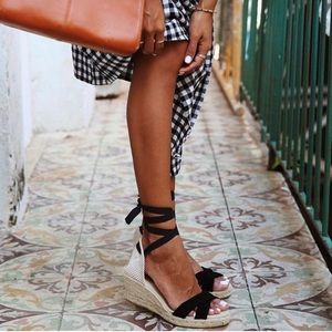 Shoes - Wrap wedges